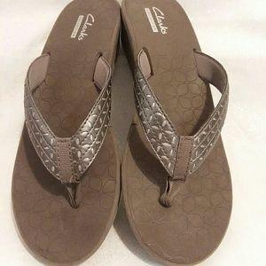 b38e2a768a52 Clarks Shoes - Clarks Liya Gaze Womens Sandals Size 8 Pre-Owned